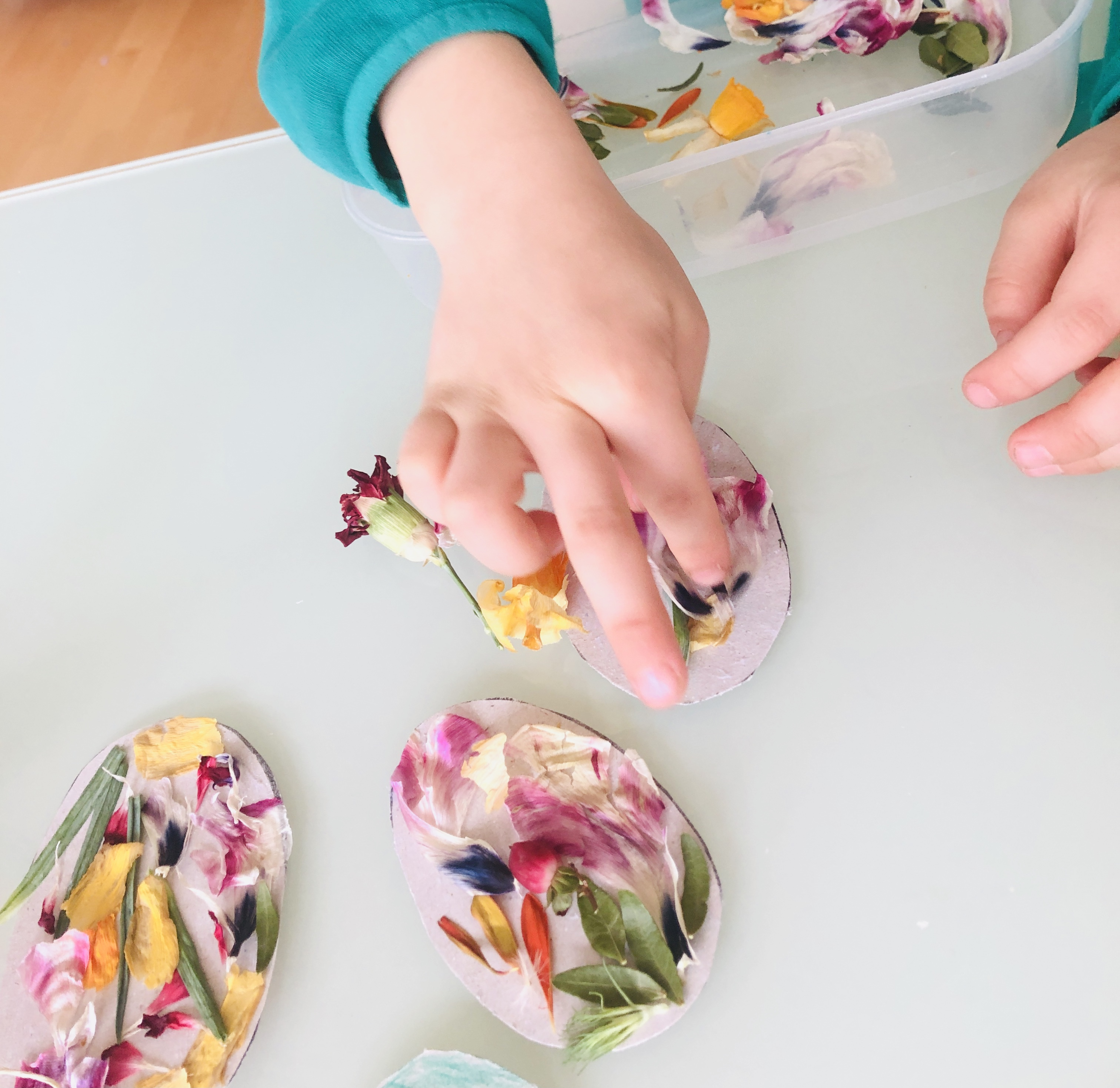 decorating easter eggs with flowers