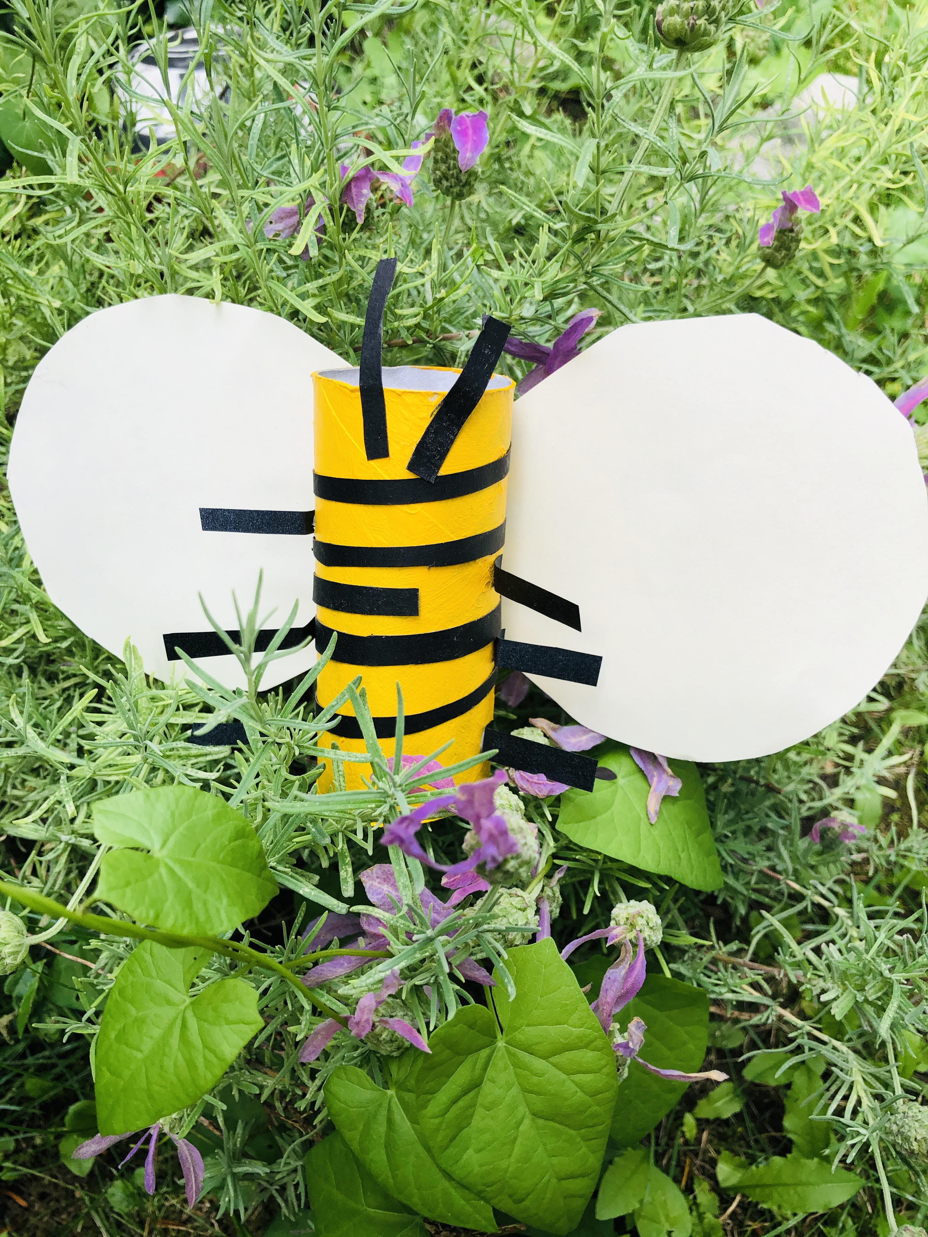 paper roll bee on the flower